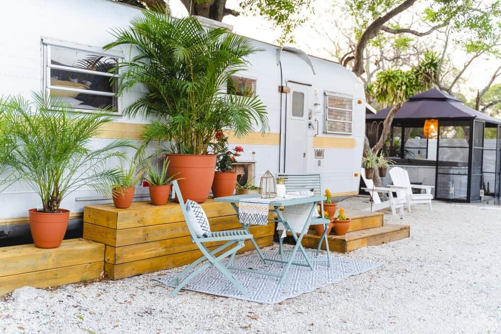 the Vintage '71 Airstream Airbnb in Florida