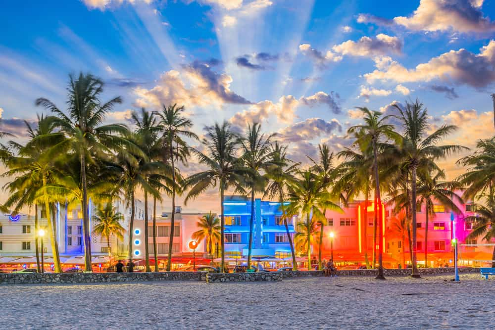 Ocean drive is known for its popular nightlife and people flock to it after beach days!