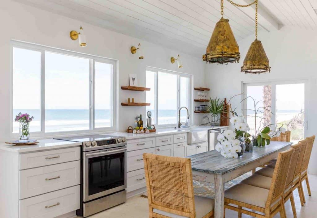 Crane Cottage is a luxury beachfront cottage in Florida located in Ponte Vedra beach.