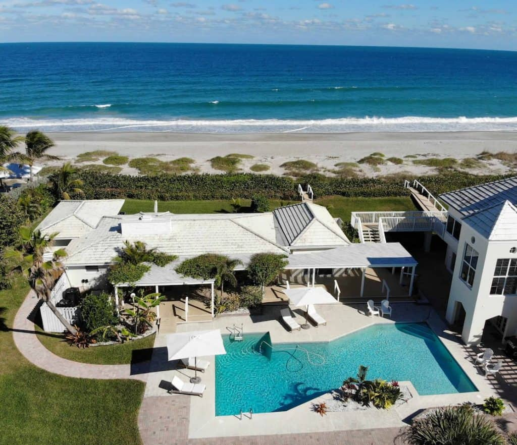 This is a beachfront cottage located in Melbourne beach. The perfect cottages in Florida for those looking for a relaxing compound with private beach!