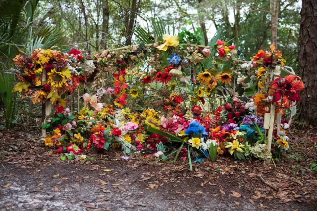 Flowers and fairy wings adorn the Fairy Trail of Horseshoe Park in Cassadaga, one of the best places to visit in Florida in the fall.