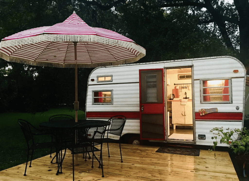 Miss Ruby, the renovated RV in Lake Saddleback, ready for adventure!