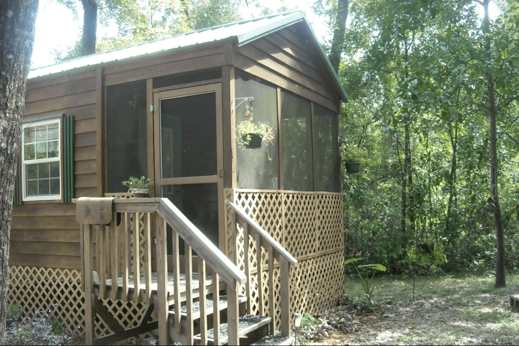 The exterior of Rum Island Cabin, a perfect getaway for glamping in Florida.