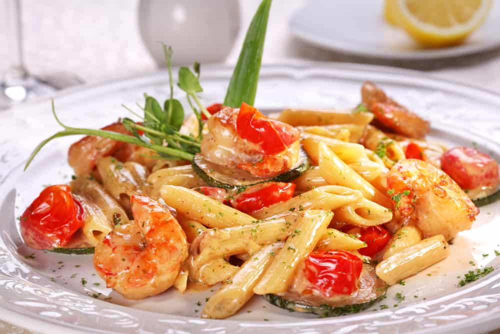 Italian house serves Italian food in Orlando like shrimp scampi pasta.