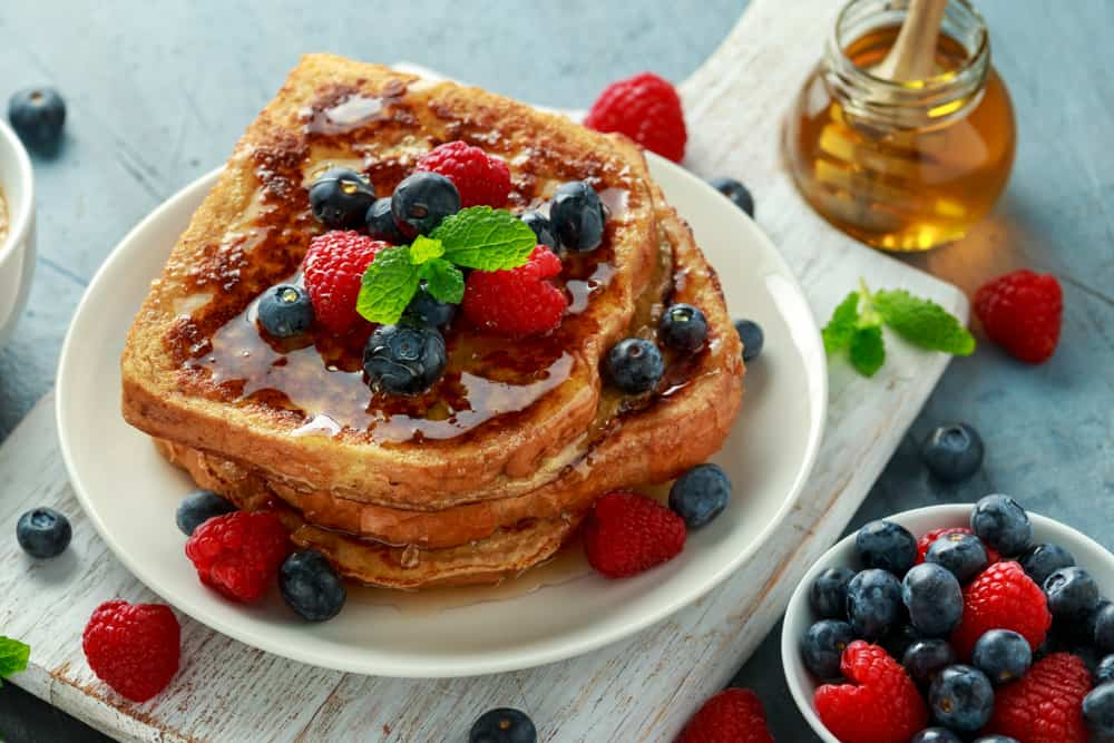 French toast with honey and berries restaurants in Naples