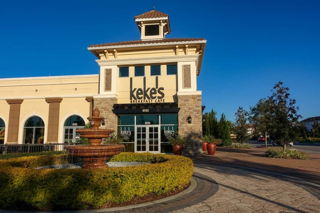 The exterior of Keke's Breakfast Cafe, one of the best breakfast spots in Orlando.