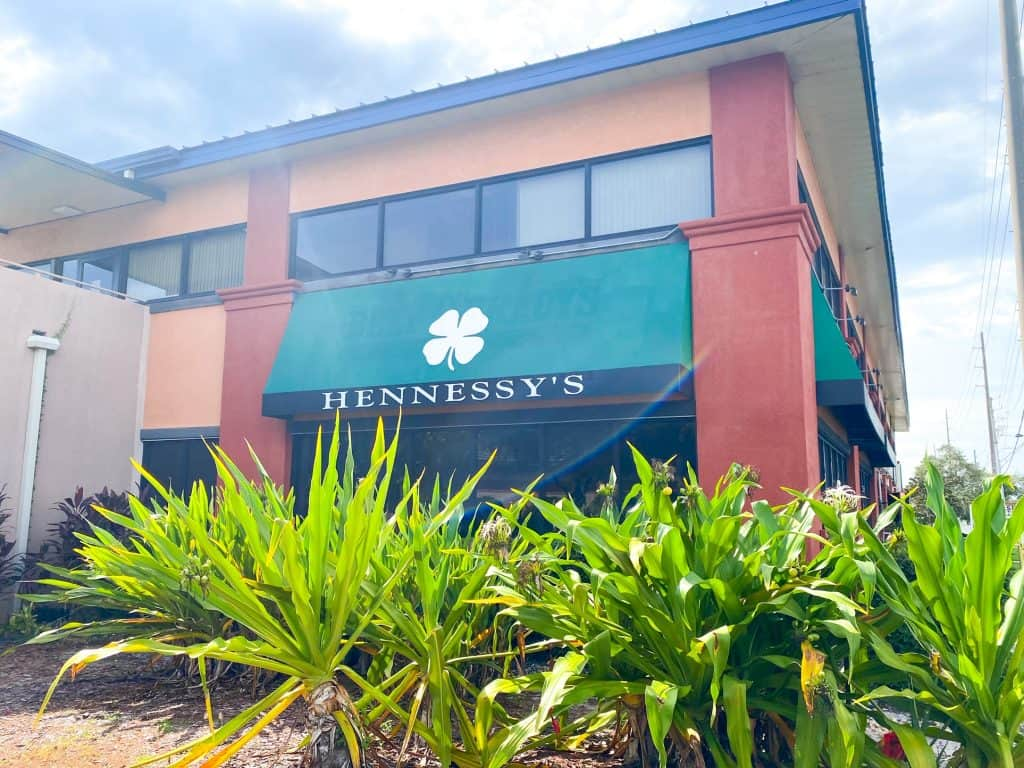 Hennessy's is a neighborhood bar and hangout serving late night eats and a full bar menu.