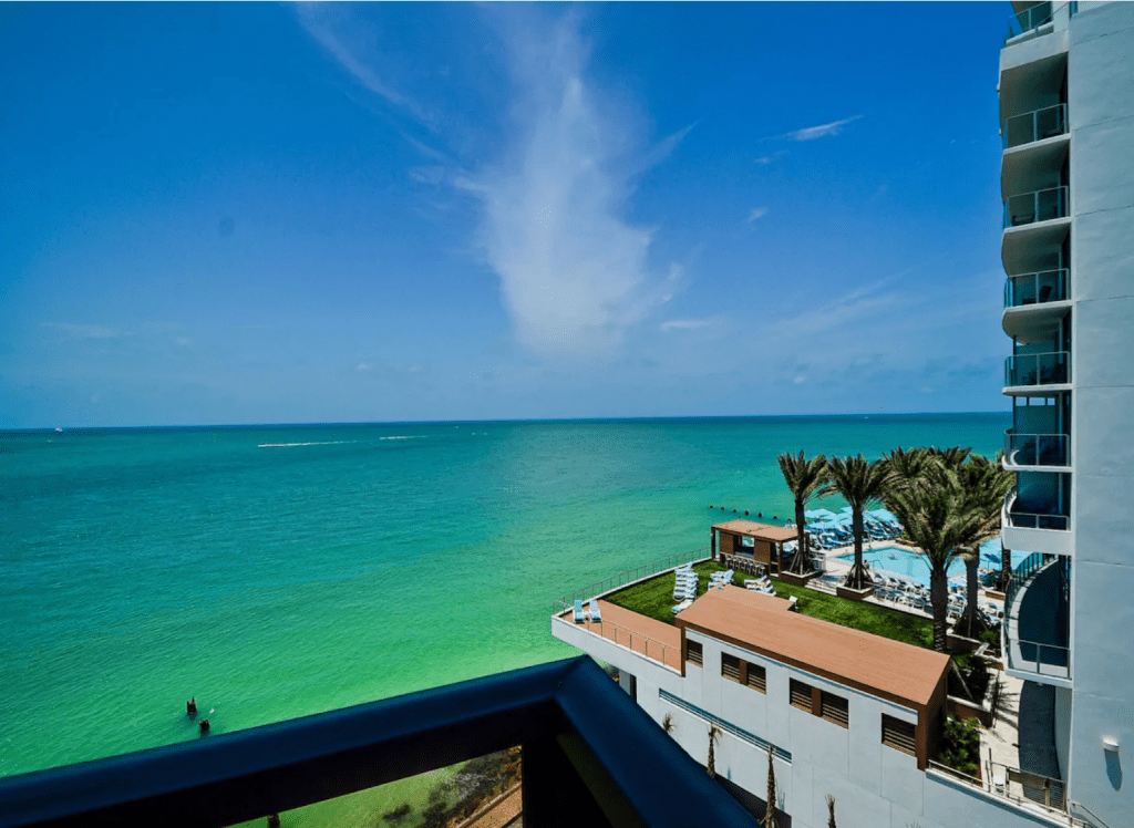 A view of the gorgeous waters of the Gulf of Mexico from the Waterview Apartment, one of the best Airbnbs in Clearwater.