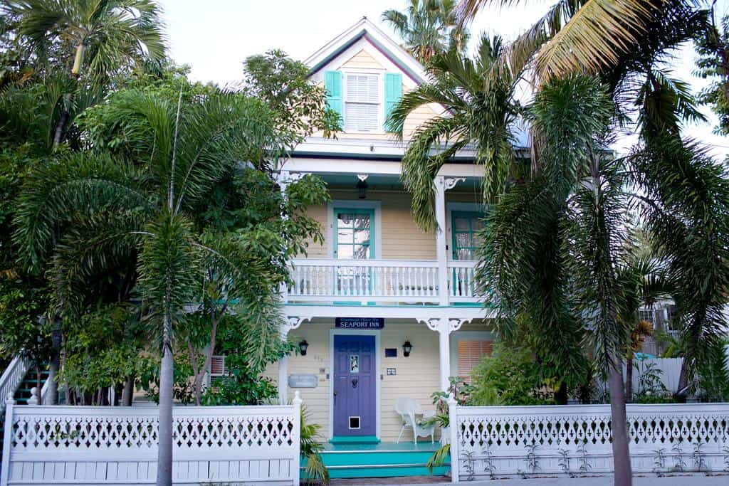 A lovely colonial hotel in key west.