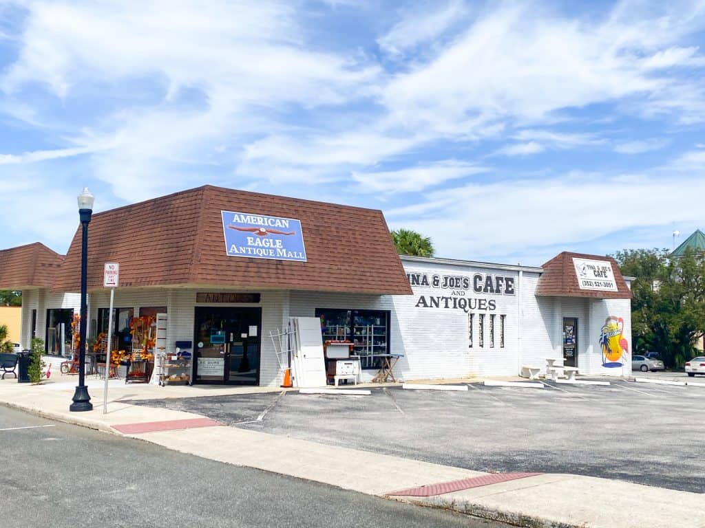 The American Eagle Antique Mall, one of the best thrift stores on 7th Street, one of the best things to do in Dade City.