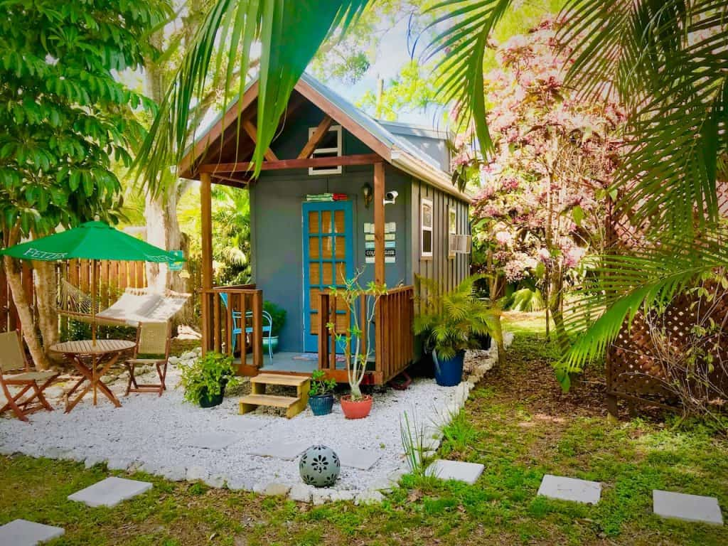 Photo of the exterior of an tiny house Airbnb property in Sarasota.