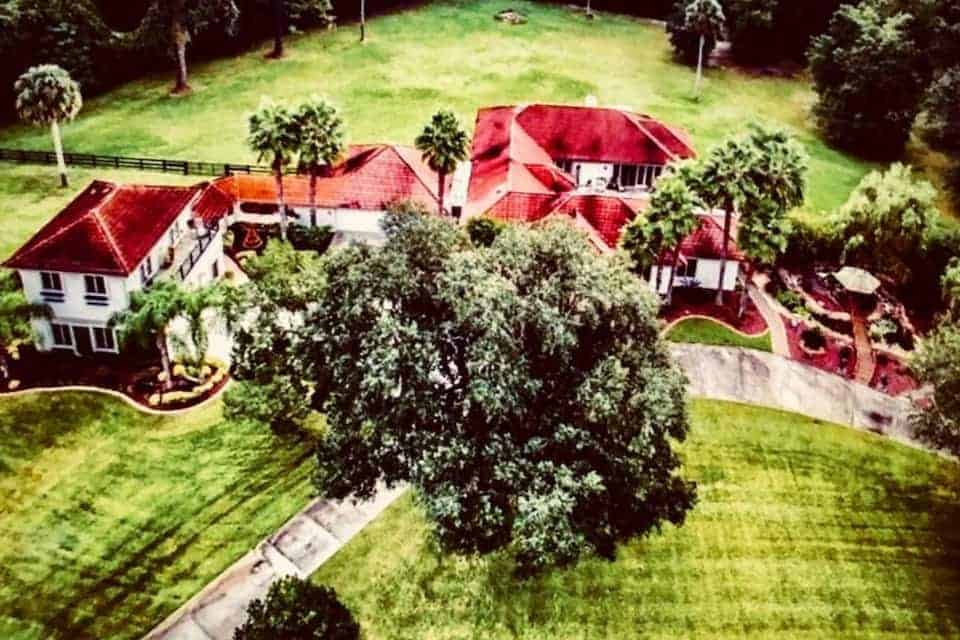 come stay at this beautiful 1300 sq foot guesthouse in a gated community in Ocala