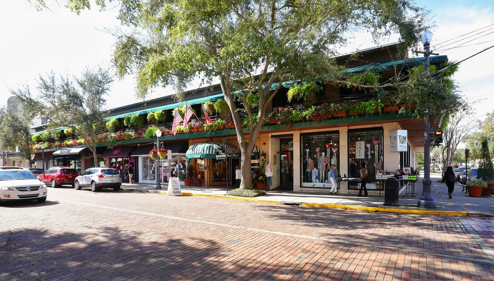 Come to park avenue in Winter Park to eat at some of the delicious restaurants in Winter Park