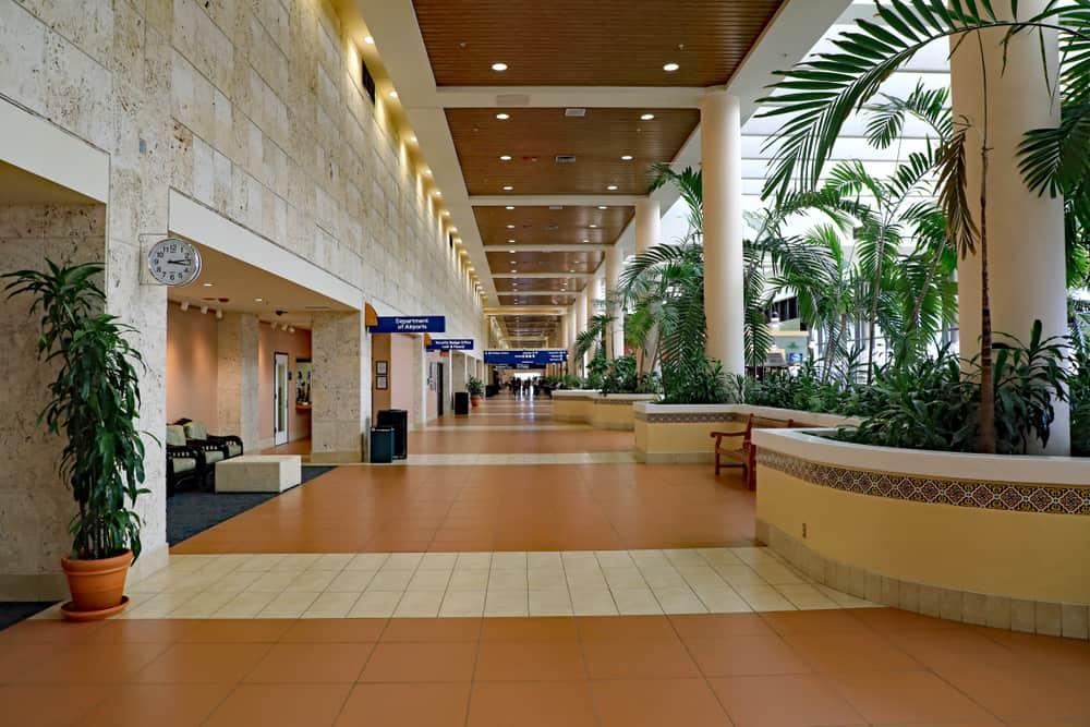 Try the 9 putting green at Palm Beach International Airport