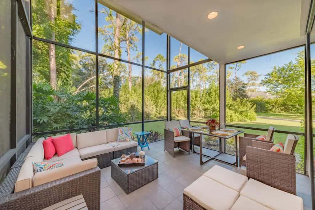 Photo of a screened in patio at an Eagles Nest home in Florida.