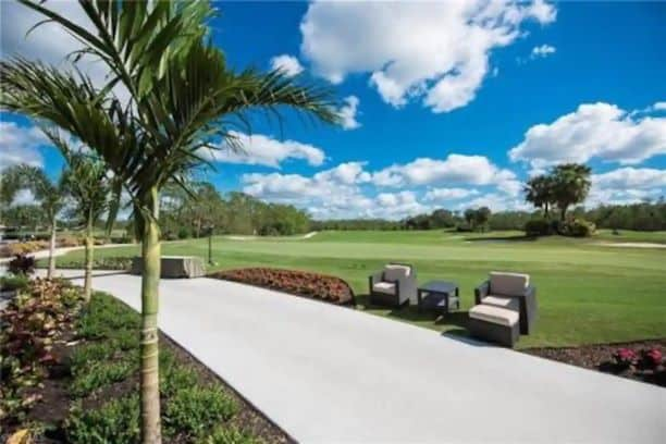 Photo of a golf course where an Airbnb in located in Naples.