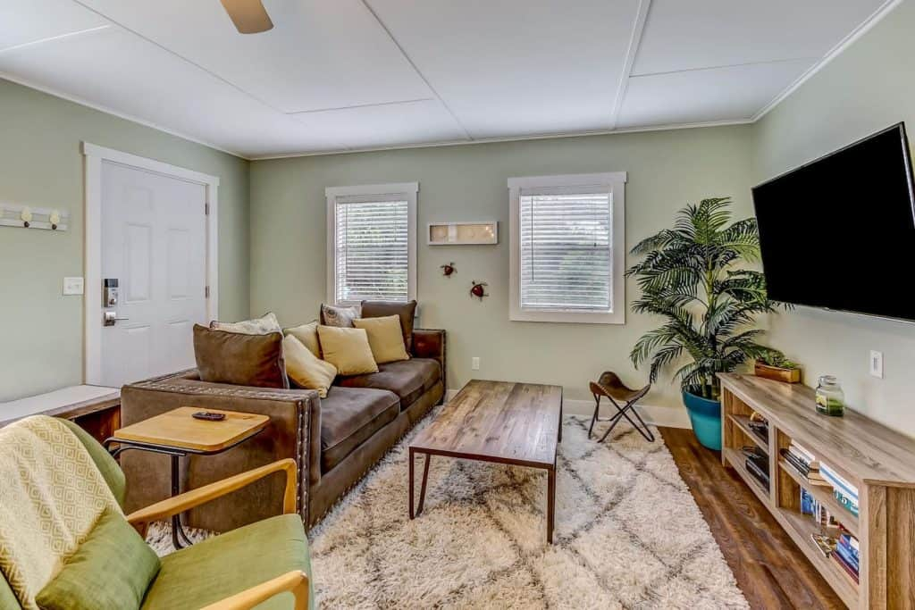 Photo of the living room inside one of the most affordable Amelia Island Airbnbs.