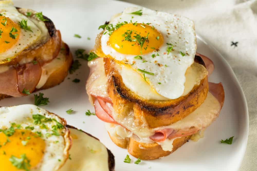Come to one of the brunch restaurants maxine's on Shine in Orlando