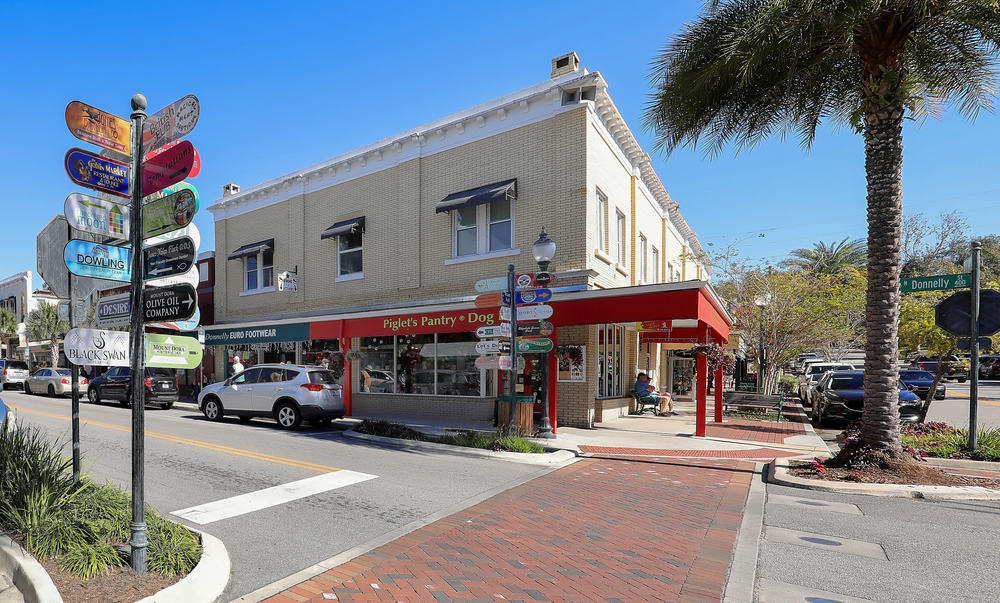 If looking for things to do in Mount Dora head to the downtown area for shopping and dining