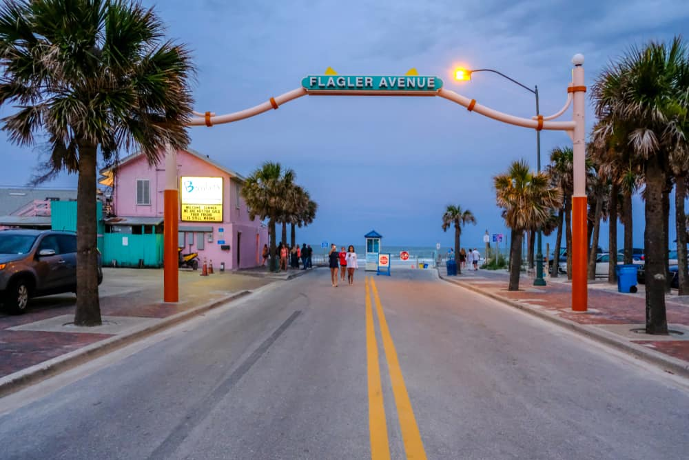 Come to one of the New Smyrna beach restaurants