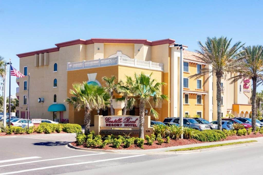 there have been reports of footsteps at this haunted hotel in saint augustine