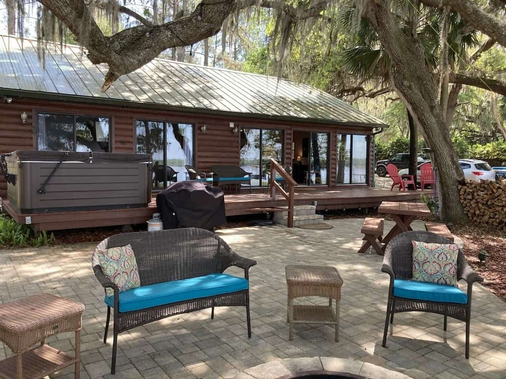 Come relax in one of the best cabins in Florida