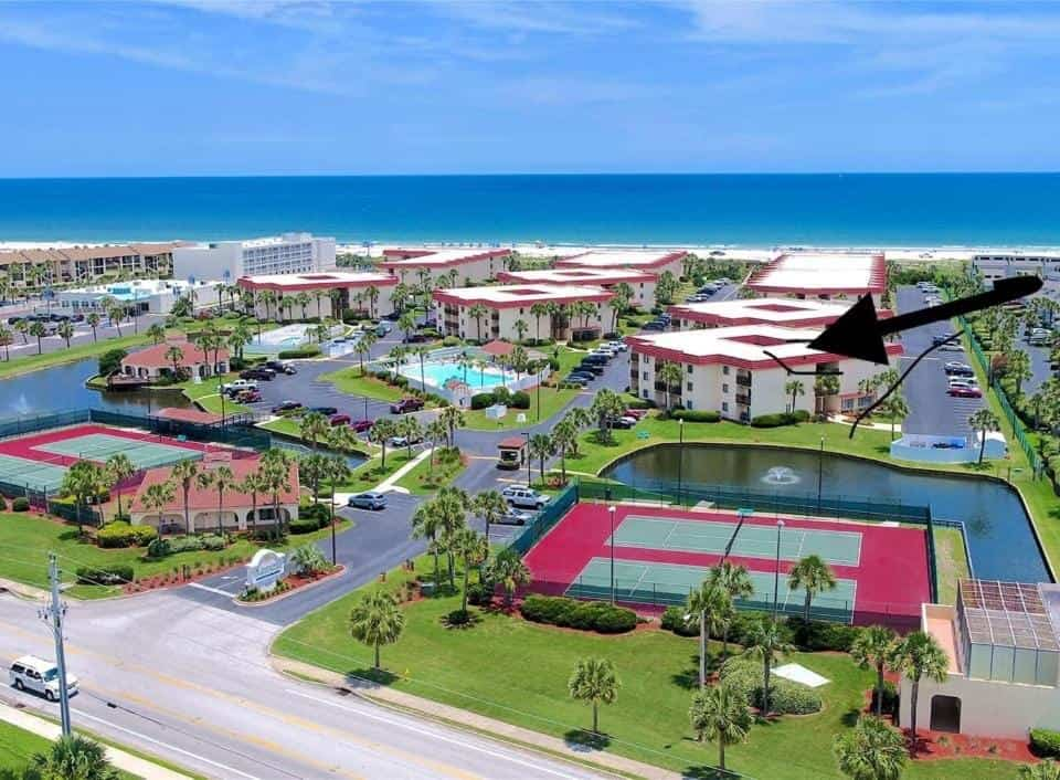 This st augustine hotel on the beach even comes with tennis courts for guests to enjoy!