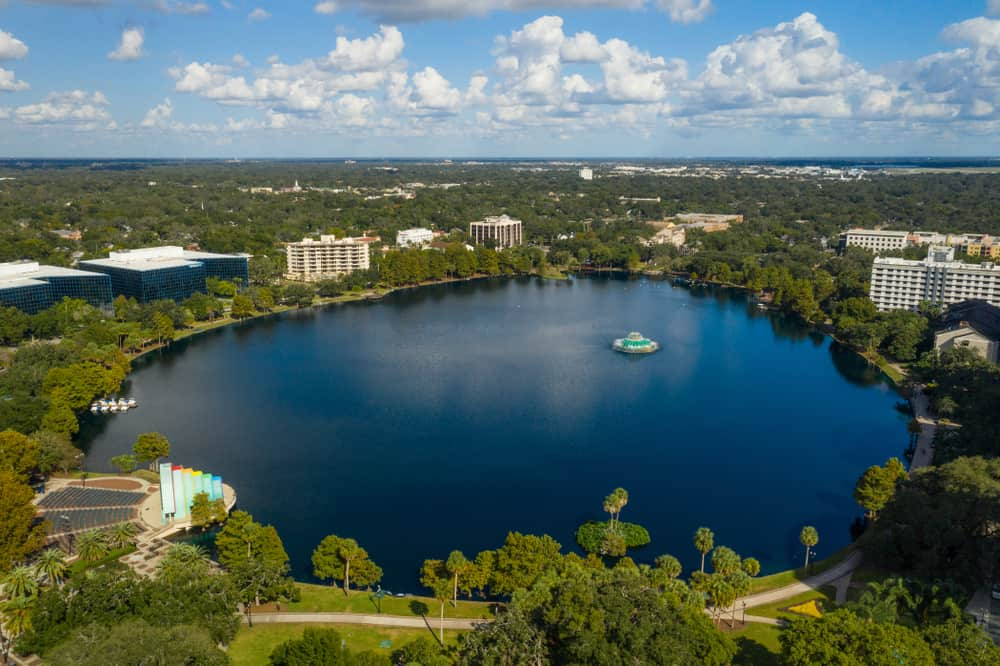 An aerial photo of Lake Eola Park and it's hiking trail in Orlando