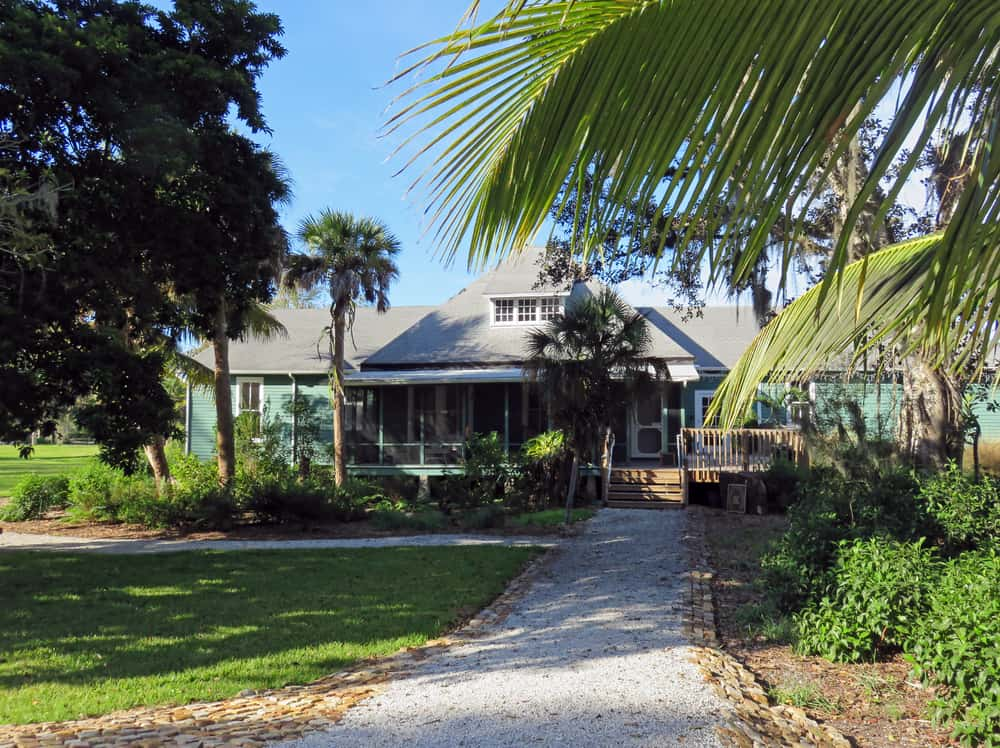 Sanibels village has cottages and houses that have been preserved since the 1800s.