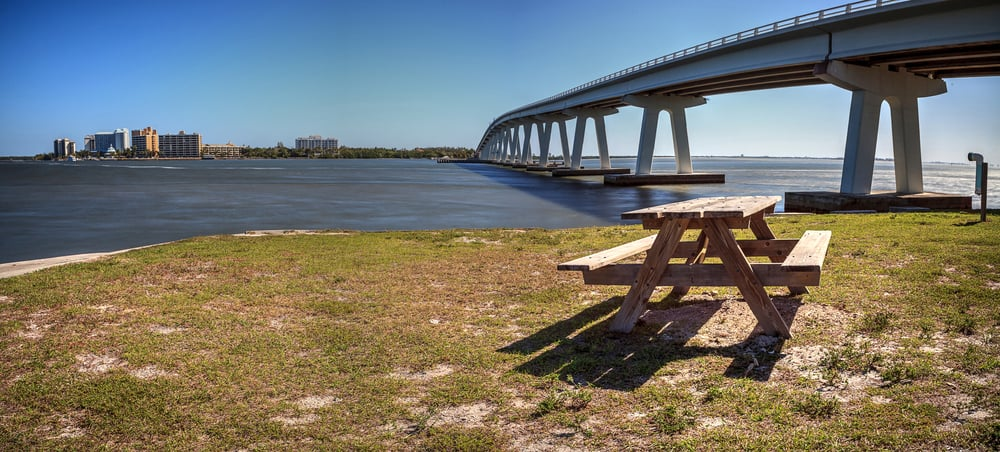 Photo of the picnic area in the causeway beaches, one of the most unique beach experiences in the beaches of Fort Myers